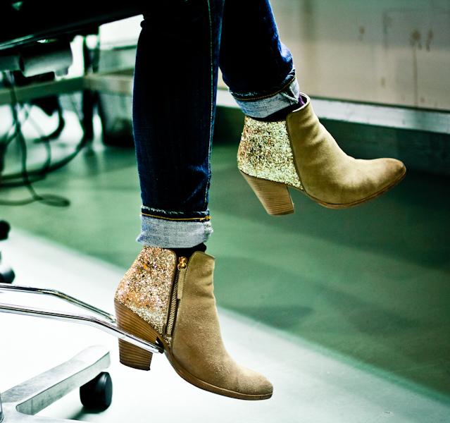 DIY-Glitter-Boots