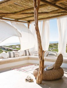 home inspiration:<br> WEEKENDER WITH SEA VIEWS