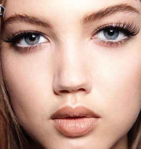BUTTERFLY LASHES: OUR 5 FAVE LASH BUILDING MUST-HAVES