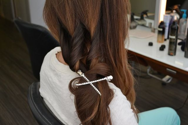 weekend hair: THE LOBSTER TAIL BRAID