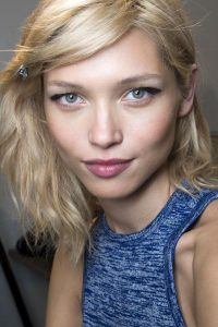 3 NEED-TO-KNOW BACKSTAGE BEAUTY TIPS