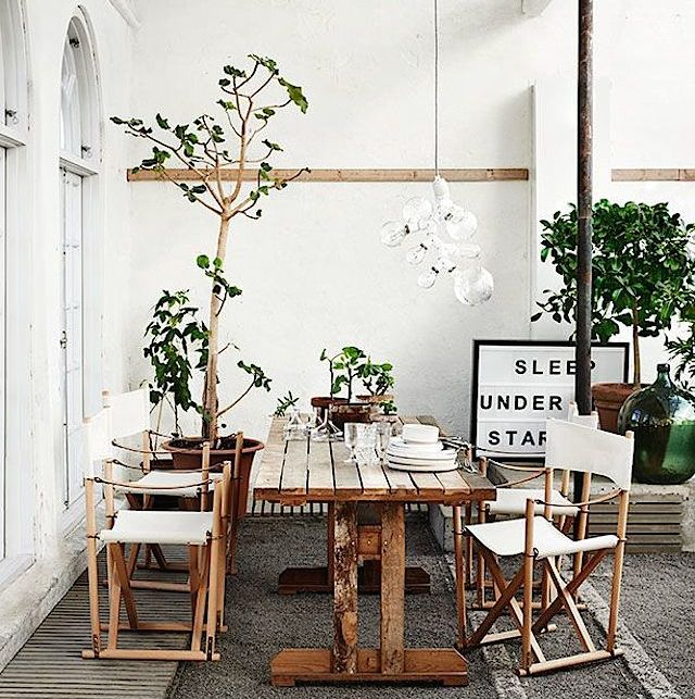 loving on sunday: CANVAS DIRECTOR CHAIRS 1