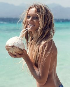 #healthinsider: WHAT ARE THE REAL BENEFITS OF DRINKING COCONUT WATER?