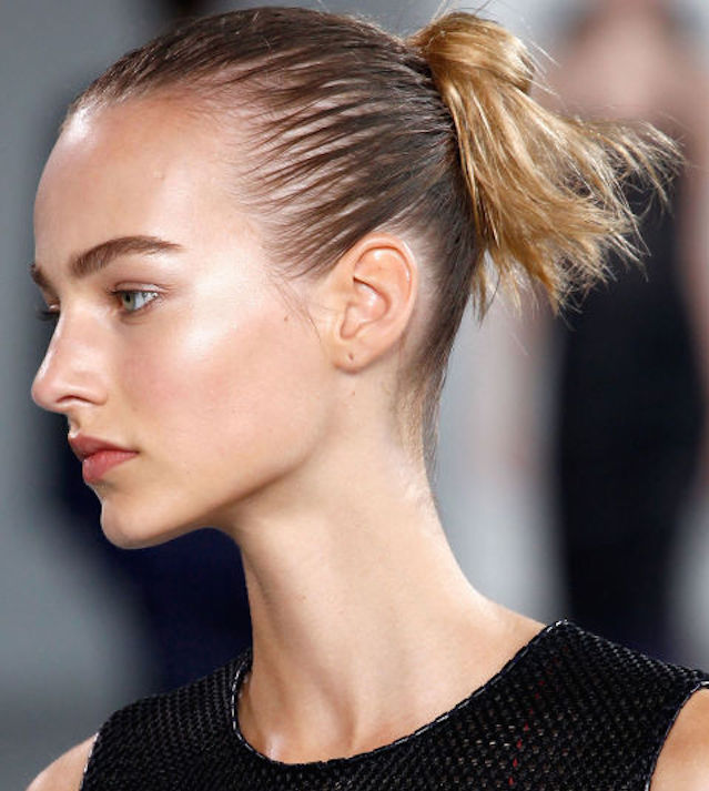 weekend hair_THE SUPER-SLICK BUN