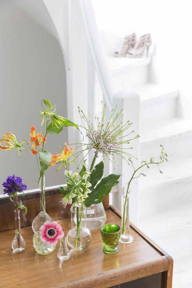 8-bloemen-glazen-vaasjes
