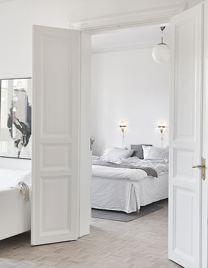 white-and-grey-bedroom