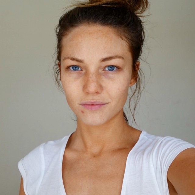 sam frost make-up free