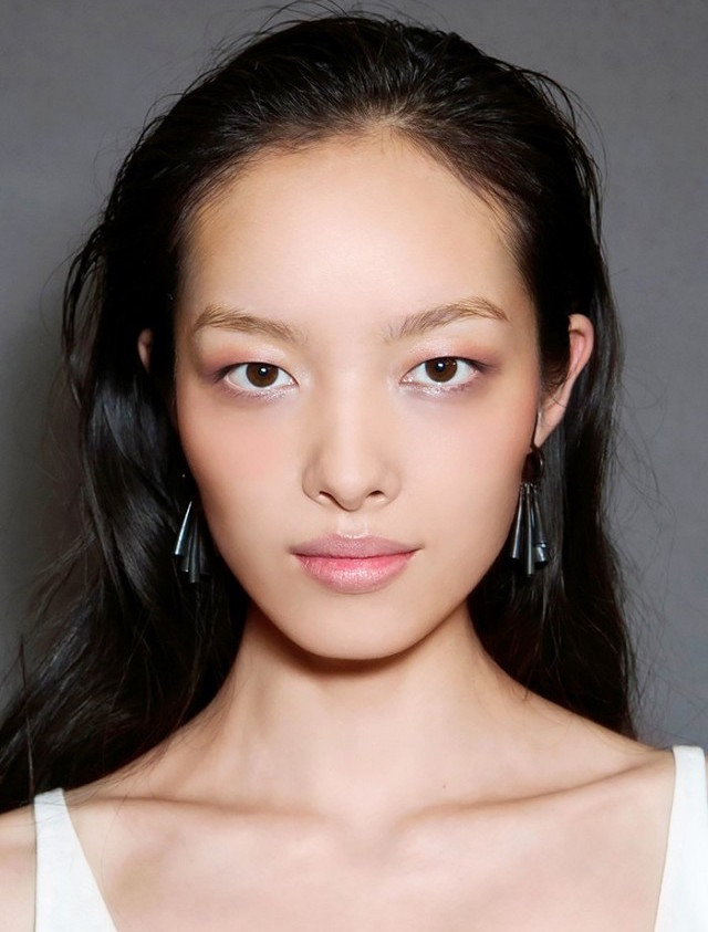 2106 beauty trends #1 softer brows