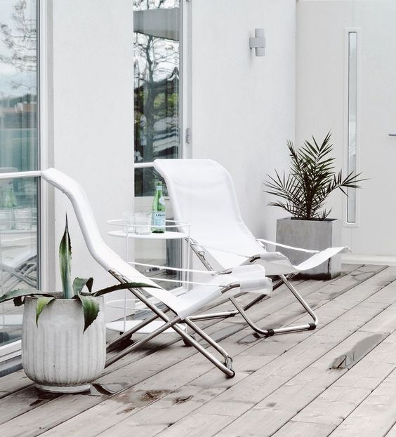 It S Model Home Monday And We Re Loving This Look At: Renovation Inspiration: NATURAL GREY-LOOK DECKING