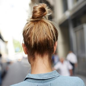 weekend hair:<br> SUPER-QUICK TOPKNOT