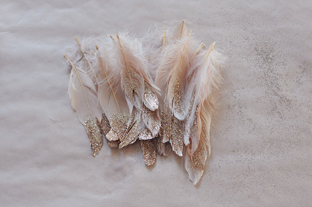 glitters feathers diy 2