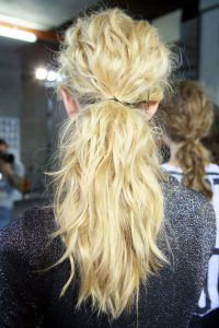 copy-cat her hair: THE WAVY PONYTAIL