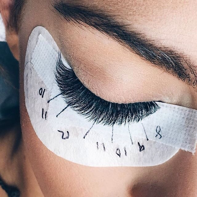 beauty insider: THE TRUTH ABOUT EYELASH EXTENSIONS